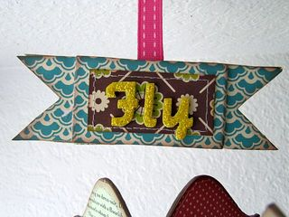 Fly free bird detail 2
